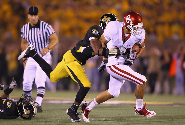 COLUMBIA, MO - OCTOBER 23: Cameron Kenney #6 of the Oklahoma Sooners in action against the Missouri Tigers at Faurot Field/Memorial Stadium on October 23, 2010 in Columbia, Missouri.  The Tigers beat the Sooners 36-27.  (Photo by Dilip Vishwanat/Getty Ima