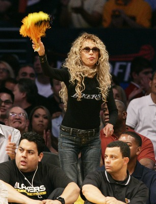 LOS ANGELES -APRIL 29:  Actress Dyan Cannon attends Game 4 of the Los Angles Lakers-Phoenix Suns NBA playoff game on Aprinl 29, 2007 at Staples Center in Los Angeles, California. (Photo by Vince Bucci/Getty Images)