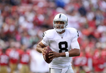 SAN FRANCISCO, CA - AUGUST 20:  Jason Campbell #8 of the Oakland Raiders in action against the San Francisco 49ers at Candlestick Park on August 20, 2011 in San Francisco, California.  (Photo by Ezra Shaw/Getty Images)