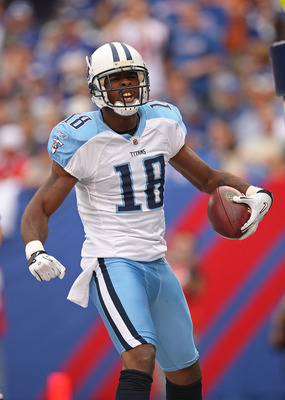 EAST RUTHERFORD, NJ - SEPTEMBER 26:  Kenny Britt #18 of the Tennessee Titans scores a second half touchdown during a game against the New York Giants at New Meadowlands Stadium on September 26, 2010 in East Rutherford, New Jersey.  (Photo by Mike Ehrmann/