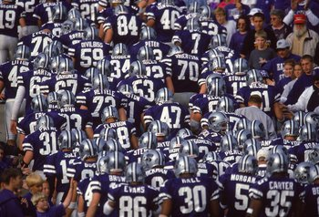 30 Oct 1999:  A view of the Kansas State Wildcats as the team runs onto the field before the game against the Baylor Bears at Wagner Field in Manhattan, Kansas. The Wildcats defeated the Bears 48-7. Mandatory Credit: Elsa Hasch  /Allsport