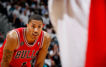 ATLANTA, GA - MAY 08:  Derrick Rose #1 of the Chicago Bulls waits during a free throw by the Atlanta Hawks in Game Four of the Eastern Conference Semifinals in the 2011 NBA Playoffs at Phillips Arena on May 8, 2011 in Atlanta, Georgia.  NOTE TO USER: User