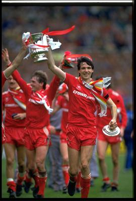 MAY 1986:  LIVERPOOL CAPTAIN ALAN HANSEN CELEBRATES WITH THE FA CUP AFTER LIVERPOOL HAD BEATEN EVERTON 3-1 IN THE FINAL AT WEMBLEY.