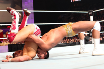 Wwe-raw-2010-11-29-alberto-del-rio-vs-daniel-bryan_display_image_display_image