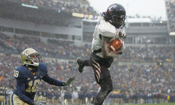 PITTSBURGH - DECEMBER 05:  Mardy Gilyard #1 of the Cincinnati Bearcats catches a two point conversion against the University of Pittsburgh Panthers on December 5, 2009 at Heinz Field in Pittsburgh, Pennsylvania.  (Photo by Jared Wickerham/Getty Images)
