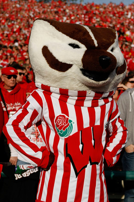 PASADENA, CA - JANUARY 01:  Bucky Badger of the Wisconsin Badgers looks on during the game against the TCU Horned Frogs in the 97th Rose Bowl game on January 1, 2011 in Pasadena, California.  (Photo by Jeff Gross/Getty Images)