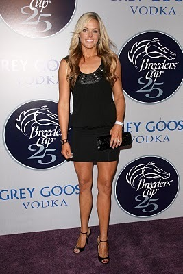 Jennie-finch-feet_display_image