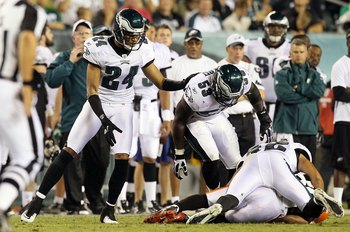 PHILADELPHIA, PA - AUGUST 25:  Nnamdi Asomugha #24 of the Philadelphia Eagles in action against the Cleveland Browns during their pre season game on August 25, 2011 at Lincoln Financial Field in Philadelphia, Pennsylvania.  (Photo by Jim McIsaac/Getty Ima