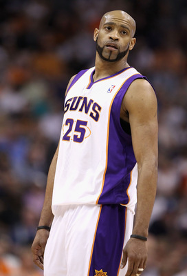 PHOENIX, AZ - MARCH 30:  Vince Carter #25 of the Phoenix Suns reacts during the NBA game against the Oklahoma City Thunder at US Airways Center on March 30, 2011 in Phoenix, Arizona.  The Thunder defeated the Suns 116-98. NOTE TO USER: User expressly ackn