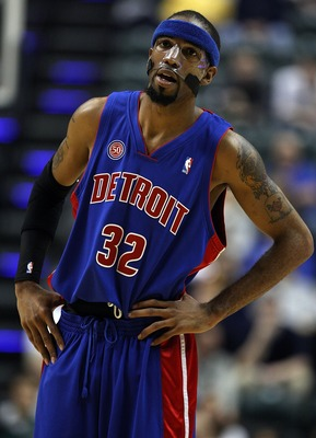 INDIANAPOLIS - JANUARY 29:  Richard Hamilton #32 of the Detroit Pistons is pictured during the NBA game against the Indiana Pacers on January 29, 2008 at Conseco Fieldhouse in Indianapolis, Indiana. NOTE TO USER: User expressly acknowledges and agrees tha