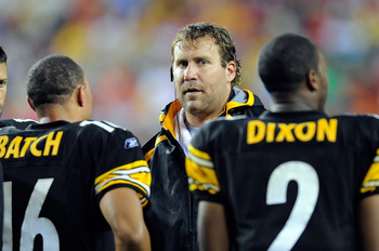LANDOVER, MD - AUGUST 22:  Ben Roethlisberger #7 of the Pittsburgh Steelers talks to Charlie Batch #16 and Dennis Dixon #2 during the game against the Washington Redskins at Fed Ex Field on August 22, 2009 in Landover, Maryland.  (Photo by Greg Fiume/Gett