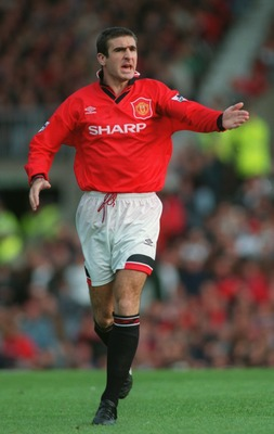 1 OCT 1995:  ERIC CANTONA OF MANCHESTER UNITED REMONSTRATES WITH THE REFEREE DURING THE PREMIER LEAGUE MATCH AGAINST LIVERPOOL AT OLD TRAFFORD. THE MATCH ENDED IN A 2-2 DRAW. Mandatory Credit: Shaun Botterill/ALLSPORT