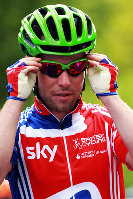 LONDON, ENGLAND - AUGUST 14:  Mark Cavendish of Team GB prepares for the race to start during the London-Surrey Cycle Classic road race at The Mall on August 14, 2011 in London, England.  (Photo by Bryn Lennon/Getty Images)