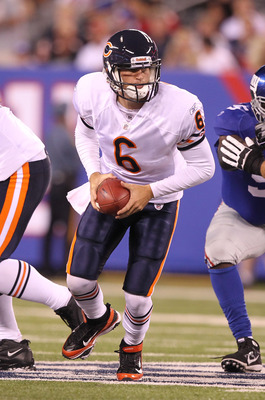 EAST RUTHERFORD, NJ - AUGUST 22:  Jay Cutler #6 of the Chicago Bearslooks to hand off against the New York Giants during their pre season game on August 22, 2011 at The New Meadowlands Stadium in East Rutherford, New Jersey.  (Photo by Al Bello/Getty Imag