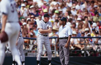 SAN DIEGO - SEPTEMBER 22:  Manager Roger Craig of the San Francisco Giants speaks with umpire Charlie Williams during the game against the San Diego Padres at Qualcomm Stadium on September 22, 1991 in San Diego, California. (Photo by Chris Covatta/Getty I
