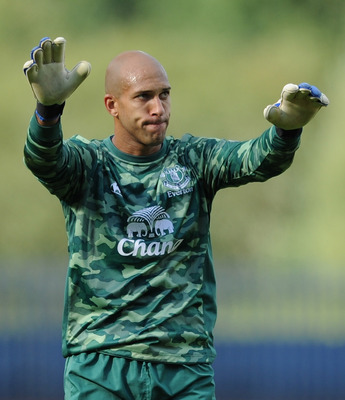 BLACKBURN, ENGLAND - AUGUST 27:  Tim Howard of Everton salutes the supporters at full-time following the Barclays Premier League match between Blackburn Rovers and Everton at Ewood Park on August 27, 2011 in Blackburn, England.  (Photo by Chris Brunskill/