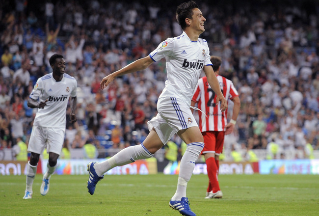 MADRID, SPAIN - MAY 21:  Joselu of Real Madrid celebrates after scoring Real's 8th goal    during the La Liga match between Real Madrid and UD Almeria at Estadio Santiago Bernabeu on May 21, 2011 in Madrid, Spain.  (Photo by Denis Doyle/Getty Images)
