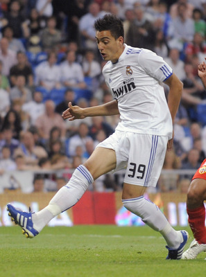 MADRID, SPAIN - MAY 21:  Joselu of Real Madrid scores Real's 8th goal during the La Liga match between Real Madrid and UD Almeria at Estadio Santiago Bernabeu on May 21, 2011 in Madrid, Spain.  (Photo by Denis Doyle/Getty Images)
