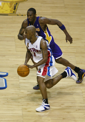 AUBURN HILLS, MI- JUNE 10:  Chauncey Billups #1 of the Detroit Pistons drives on Kobe Bryant #8 of the Los Angeles Lakers in Game three of the 2004 NBA Finals at the Palace of Auburn Hills on June 10, 2004 in Auburn Hills, Michigan.  The Pistons won 88-68
