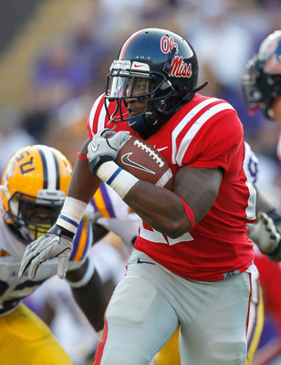 BATON ROUGE, LA - NOVEMBER 20:  Enrique Davis #27 of the Ole Miss Rebels against the Louisiana State University Tigers at Tiger Stadium on November 20, 2010 in Baton Rouge, Louisiana.  (Photo by Kevin C. Cox/Getty Images)
