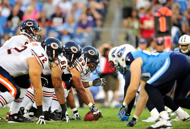 NASHVILLE, TN - AUGUST 27:  Jay Cutler #6 and the Chicago Bears offense line up against the Tennessee Titans during a preseason game at LP Field on August 27, 2011 in Nashville, Tennessee.  (Photo by Grant Halverson/Getty Images)