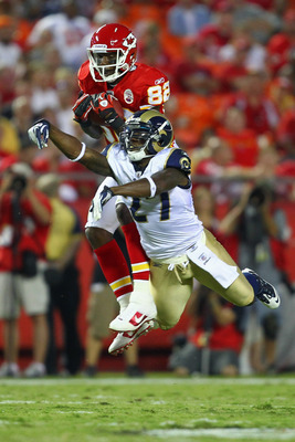 Dwayne Bowe makes a leaping grab in the 2011 NFL preseason.