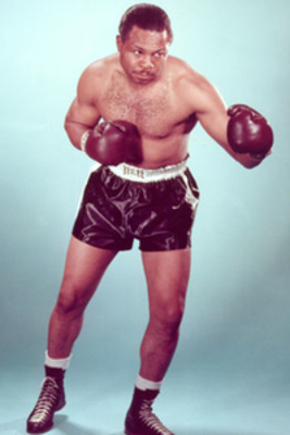 Archie_moore_posed_photofile_large_display_image