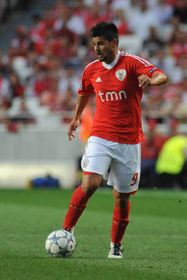 LISBON, PORTUGAL - AUGUST 24:  Nolito of SL Benfica in action during the UEFA Champions League play-off second leg match between SL Benfica and FC Twente at Estadio da Luz on August 24, 2011 in Lisbon, Portugal.  (Photo by Valerio Pennicino/Getty Images)