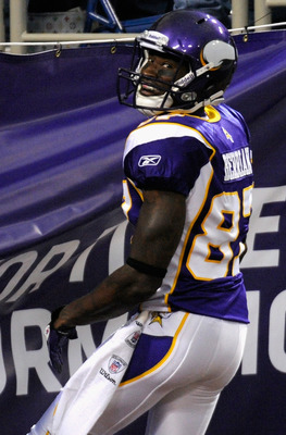 MINNEAPOLIS, MN - AUGUST 27: Bernard Berrian #87 of the Minnesota Vikings celebrates scoring against the Dallas Cowboys in the first half on August 27, 2011 at Hubert H. Humphrey Metrodome in Minneapolis, Minnesota. (Photo by Hannah Foslien/Getty Images)