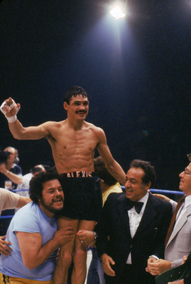 LONDON - JUNE 20:  Alexis Arguello of Nicaragua celebrates his WBC Lightweight Championship after defeating Jim Watt of Great Britain on June 20, 1981 in London, England.  (Photo by Getty Images)