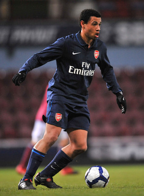 LONDON, ENGLAND - JANUARY 12:  Francis Coquelin of Arsenal in action during the reserves match between West Ham United Reserves and Arsenal Reserves at Boleyn Ground on January 12, 2010 in London, England.  (Photo by Christopher Lee/Getty Images)