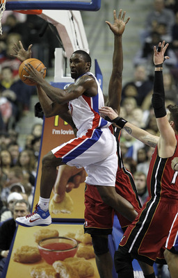 AUBURN HILLS, MI - FEBRUARY 11:  Ben Gordon #7 of the Detroit Pistons looks to pass around Mike Miller #13 of the Miami Heat at The Palace of Auburn Hills on February 11, 2011 in Auburn Hills, Michigan. Miami won the game 106-92. NOTE TO USER: User expres