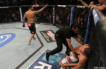 Nogueira_pulls_upset_and_kos_schaub_at_ufc__display_image