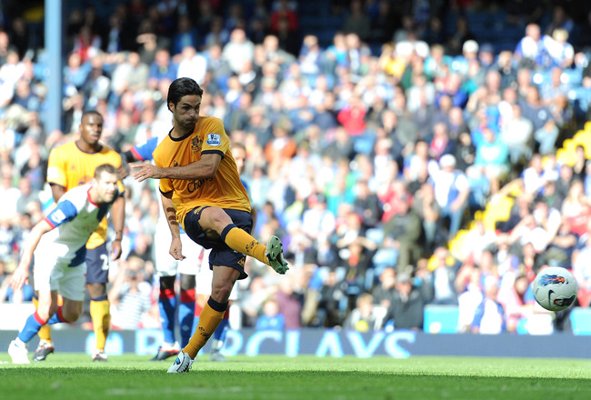 BLACKBURN, ENGLAND - AUGUST 27:  Mikel Arteta of Everton scores the opening goal from the penalty spot during the Barclays Premier League match between Blackburn Rovers and Everton at Ewood Park on August 27, 2011 in Blackburn, England.  (Photo by Chris B