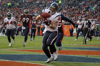 Owen Daniels scores against the Denver Broncos (2010).
