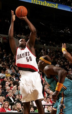 PORTLAND, OR - DECEMBER 27:  Zach Randolph #50 of the Portland Trail Blazers shoots the ball against the New Orleans/Oklahoma City Hornets on December 27, 2006 at the Rose Garden in Portland, Oregon.  NOTE TO USER: User expressly acknowledges and agrees t
