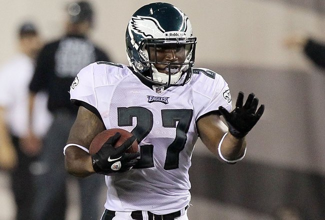 PHILADELPHIA, PA - AUGUST 25:  Dion Lewis #27 of the Philadelphia Eagles in acation against the Cleveland Browns during their pre season game on August 25, 2011 at Lincoln Financial Field in Philadelphia, Pennsylvania.  (Photo by Jim McIsaac/Getty Images)