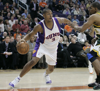 PHOENIX - FEBRUARY 8:  Boris Diaw #3 of the Phoenix Suns drives towards the basket against the Seattle SuperSonics on February 8, 2008 at US Airways Center in Phoenix, Arizona. NOTE TO USER: User expressly acknowledges and agrees that, by downloading and