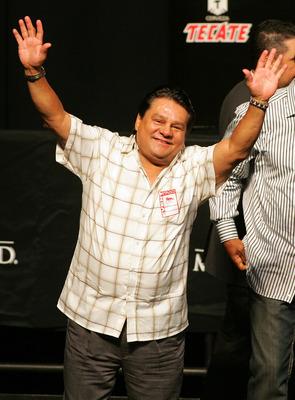 LAS VEGAS - MAY 04:  Future Hall of Fame boxer Roberto Duran waves to the crowd at the weigh-in for the Floyd Mayweather Jr. and Oscar De La Hoya fight at the MGM Grand Garden Arena May 4, 2007 in Las Vegas, Nevada. Mayweather Jr. will fight De La Hoya fo