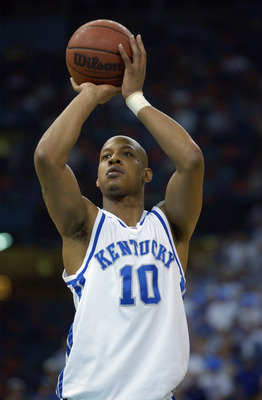 NEW ORLEANS - MARCH 16:  Keith Bogans #10 of University of Kentucky takes a shot during the Championship game against Mississippi State at the SEC Tournament at the Louisiana Superdome on March 14, 2003 in New Orleans, Louisiana. The University of Kentuck