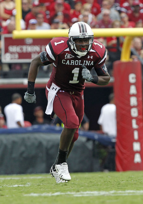 COLUMBIA, SC - SEPTEMBER 11:  Wide receiver Alshon Jeffery #1 of the South Carolina Gamecocks breaks off of the line of scrimmage during the game against the Georgia Bulldogs at Williams-Brice Stadium on September 11, 2010 in Columbia, South Carolina.  (P