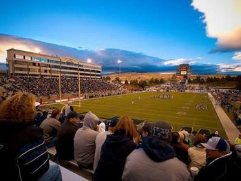 Mackay_stadium_1-578x434_display_image