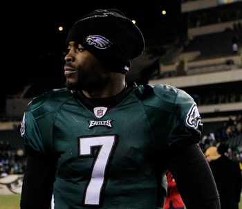 PHILADELPHIA, PA - JANUARY 09:  Michael Vick #7 of the Philadelphia Eagles reacts after their 21 to 16 loss to the Green Bay Packers during the 2011 NFC wild card playoff game at Lincoln Financial Field on January 9, 2011 in Philadelphia, Pennsylvania.  (