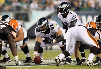 PHILADELPHIA, PA - AUGUST 25: Jason Kelce #62 of the Philadelphia Eagles in action against the Cleveland Browns during their pre season game on August 25, 2011 at Lincoln Financial Field in Philadelphia, Pennsylvania.  (Photo by Jim McIsaac/Getty Images)