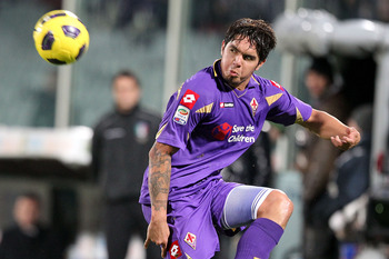 FLORENCE, ITALY - DECEMBER 05:  Juan Manuel Vargas of ACF Fiorentina in action during the Serie A match between Fiorentina and Cagliari at Stadio Artemio Franchi on December 5, 2010 in Florence, Italy.  (Photo by Gabriele Maltinti/Getty Images)