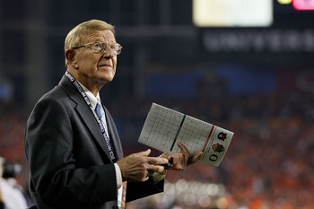 GLENDALE, AZ - JANUARY 10:  ESPN reporter Lou Holtz looks on during the Tostitos BCS National Championship Game between the Oregon Ducks and the Auburn Tigers at University of Phoenix Stadium on January 10, 2011 in Glendale, Arizona.  (Photo by Kevin C. C