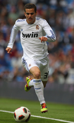 MADRID, SPAIN - APRIL 30:  Nacho Fernandez of Real Madrid in action during the La Liga match between Real Madrid and Real Zaragoza at Estadio Santiago Bernabeu on April 30, 2011 in Madrid, Spain.  (Photo by Julian Finney/Getty Images)