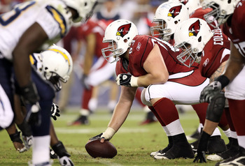 GLENDALE, AZ - AUGUST 27:  Center Lyle Sendlein #63 of the Arizona Cardinals prepars to snap the football during the preseason NFL game against the San Diego Chargers at the University of Phoenix Stadium on August 27, 2011 in Glendale, Arizona. The Charge