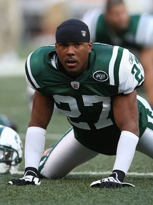 EAST RUTHERFORD, NJ - AUGUST 14:  Donald Strickland #27 of the New York Jets  warms up against the St. Louis Rams during their preseason game at Giants Stadium on August 14, 2009  in East Rutherford, New Jersey.  (Photo by Nick Laham/Getty Images)