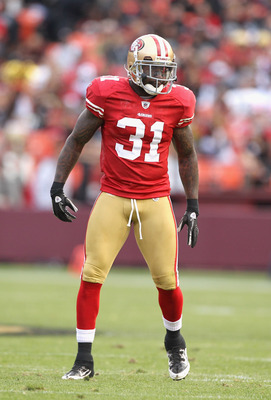SAN FRANCISCO, CA - AUGUST 20:  Donte Whitner #31 of the San Francisco 49ers in action against the Oakland Raiders at Candlestick Park on August 20, 2011 in San Francisco, California.  (Photo by Ezra Shaw/Getty Images)